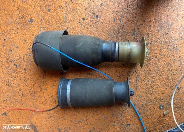 Balões Suspensão Direito e Esquerdo BMW 520D F11 2.0