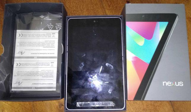 tablet NEXUS 7, nie żyje, ale wyświetlacz cały.