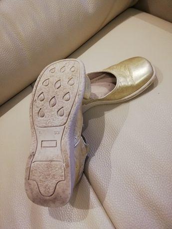 Złote półbuty balerinki Mazurek 32