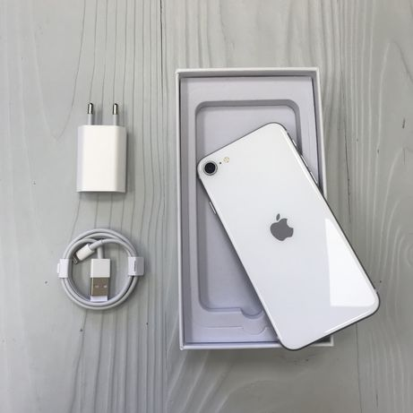 iPhone SE 64 gb Silver 2020, neverlock, гарантия/Trade-in/рассрочка