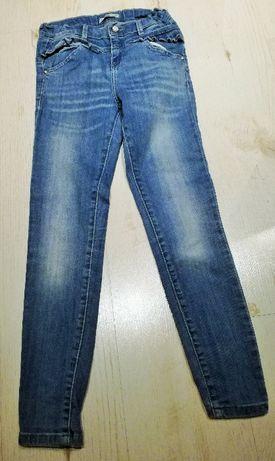 Spodnie jeansy Reserved falbanki przetarcia zamki rozm 140