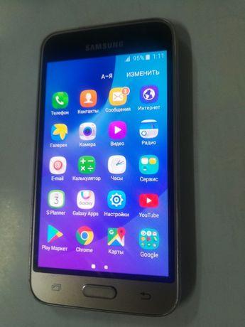смартфон самсунг j1