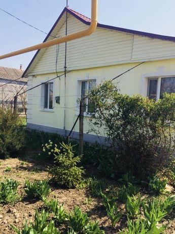Продам дом в Херсонской области, все коммуникации подключены.