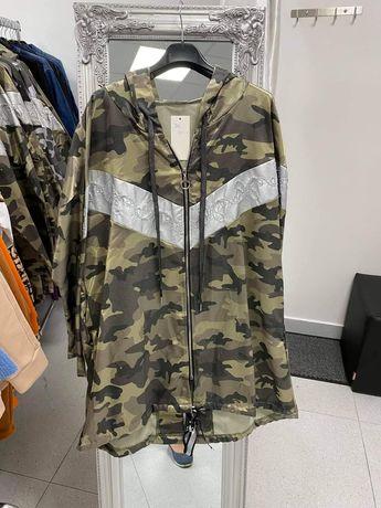 Жіноча куртка розміром уні від 40-46 Груди 120 стегон 120