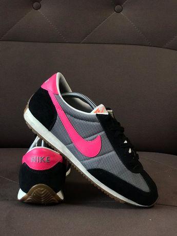Nike кроссовки 39 размер