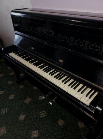Піаніно ювілейного випуску