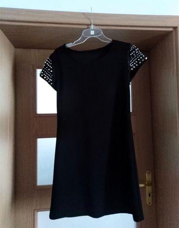 Czarna sukienka z ćwiekami klasyk M/L