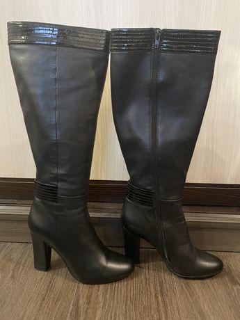 Женские кожаные сапогм