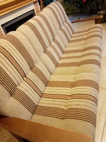 Drewniana sofa rozkladana