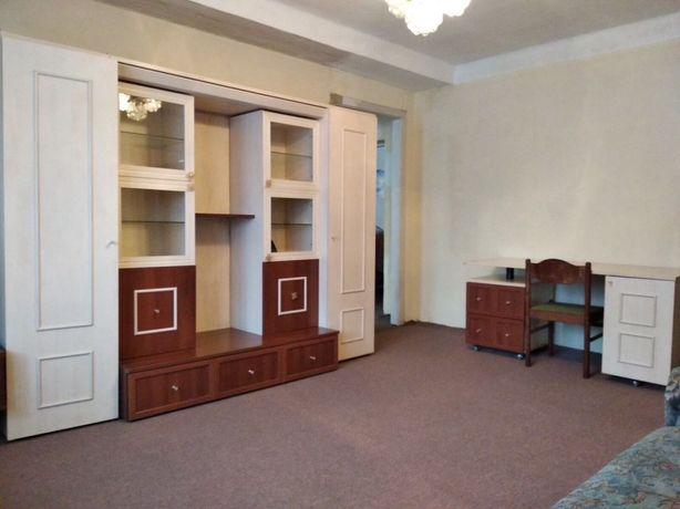 Продам свою 3-х комнатную квартиру. Ул. Кирилловская 127. Куренёвка