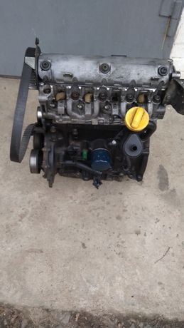 Двигун двигатель мотор 1,9 DTI F8T 1,9 ДСІ Рено Renault Сценик Меган