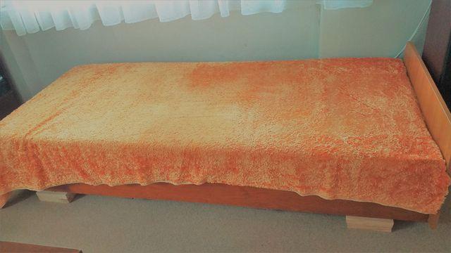 Łóżko/tapczan jednoosobowy