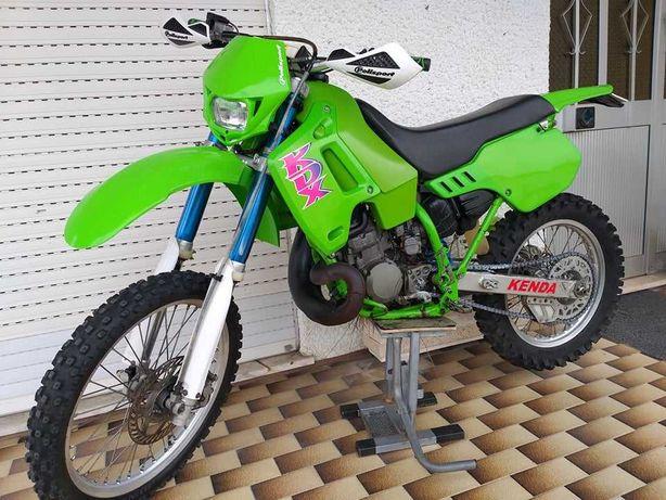 Kawasaki kdx 200 matricula e luz..impecavel