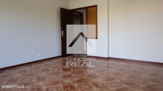 Apartamento T2 Rio Tinto ( Circunvalação)