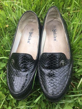 Лаковые туфли для девочки. Балетки Размер 36(22,8см)