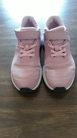 Кроссовки для девочки Nike 32р