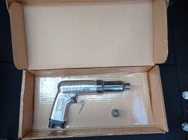 Pistoletowa wkrętarka pneumatyczna Ingersoll Rand