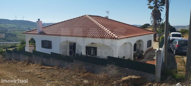 Moradia T2 em A-do-Barriga, Arruda dos Vinhos