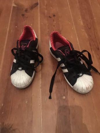 Sapatatilhas/Ténis Adidas superstar tamanho 38
