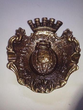 cinzeiro em metal com emblema do FC do Porto