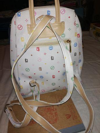 plecaczek dziewczęcy