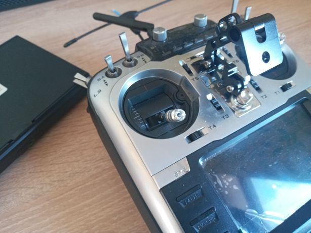 Кронштейн для FPV монитора к аппаратуре квадрокоптера