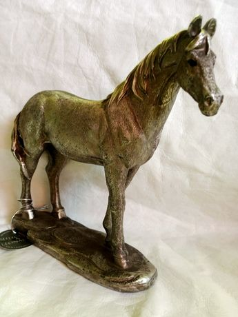 Koń Leonardo figurka alabastrowa