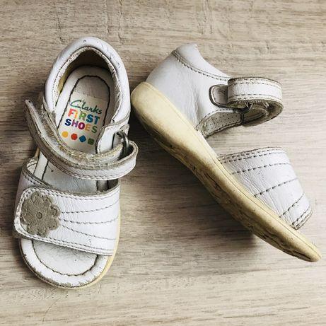 Босоніжки, босоножки, сандалі