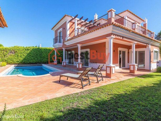 Fantástica Moradia com 5 Quartos, para venda em Vale do L...