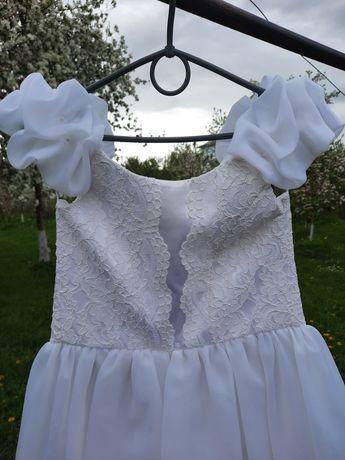 Біле плаття на перше причастя