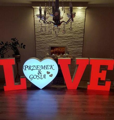 Nowoczesny napis LOVE + serce LED RGB na wesele