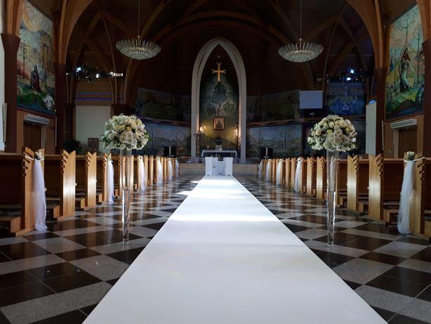 Biały dywan do kościoła ślub