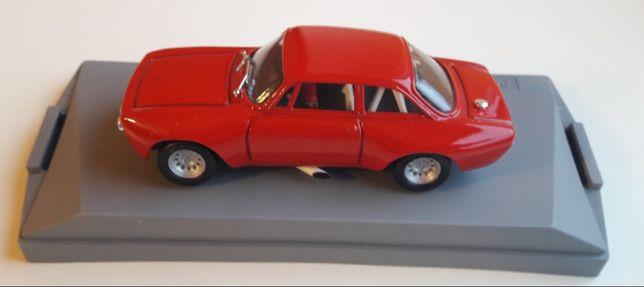 Alfa Romeo GTAM 2000 1:43 firmy ProgettoK
