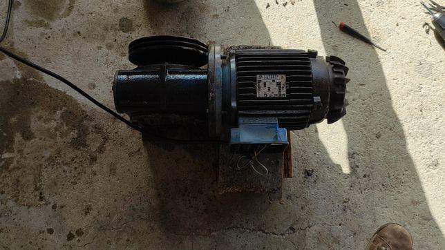 Motor elétrico trifásico Lafert 1,5kw