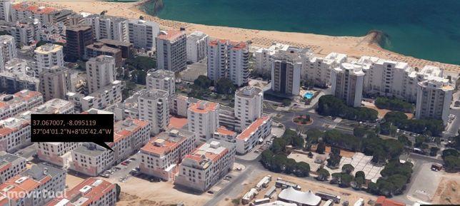 T2 com excelente localização, fica a 200 metros da praia.