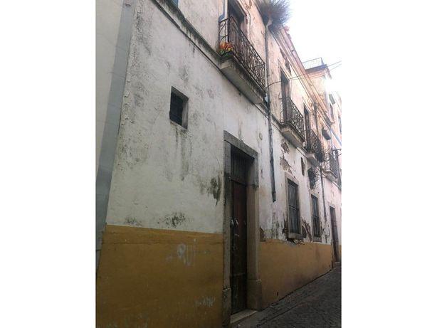 Vende-se prédio em Beja Rés-do-Chão e 1º andar!