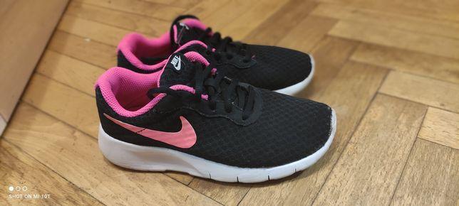 #Кросівки NIKE #коросівки для дівчинки