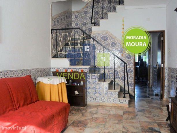 Moradia T2 com quintal | Centro da Cidade | Moura