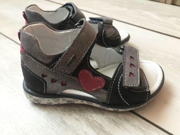 Босоножки/сандали натуральная кожа девочке размер 23, 24(14-15см)