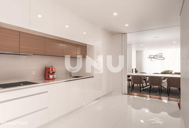 Apartamento T2 com Logradouro, Abade de Neiva.