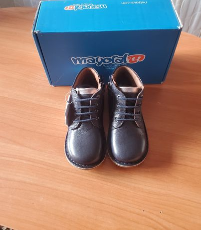 Ортопедические Кожаные Ботинки черевики кроссовки Mayoral.Размер 26.