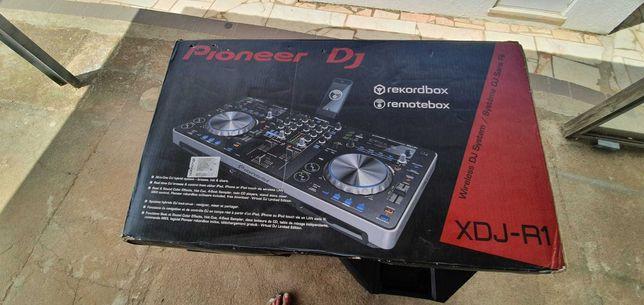 Mesa mistura DJ pioneer + 2 colunas