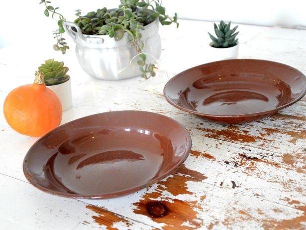Emaliowane talerze 2 sztuki śr 24 cm BRĄZOWE
