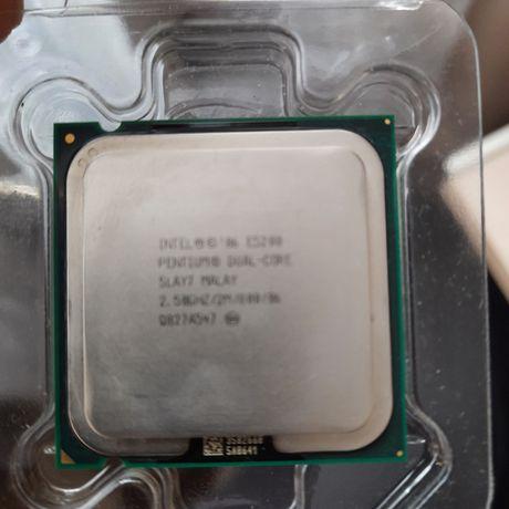 Процессор intel pentium dual core.