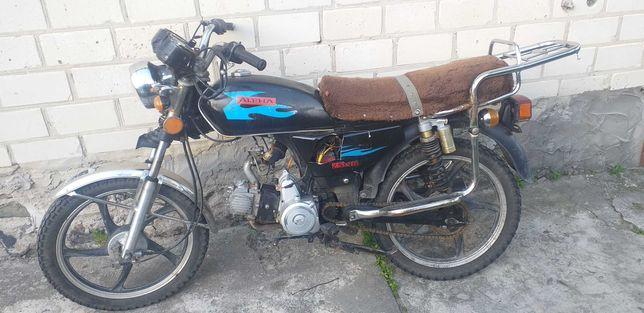 Мотоцикл Альфа 110 на повному ходу