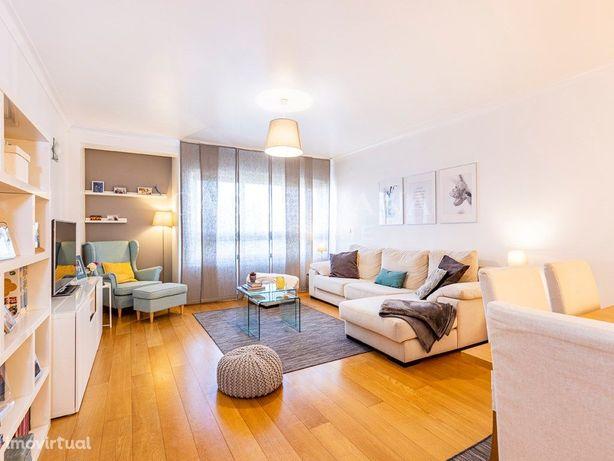 Apartamento T2 em Miraflores