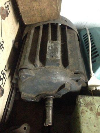 Электродвигатель 1.7 кВт 2850 об/мин