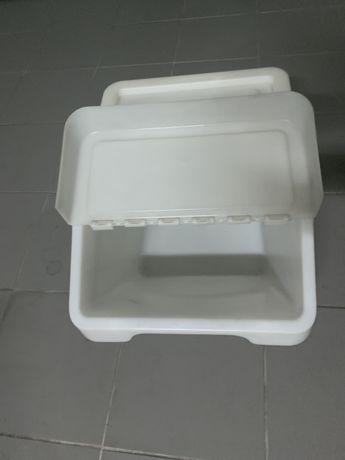 6 Caixas de arrumacao plasticas