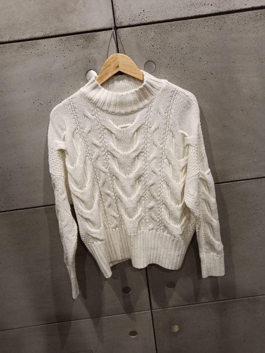 ciepły biały sweter Warszawa - image 1