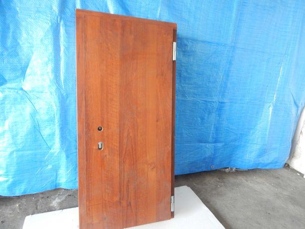 Drzwi przeciwpożarowe do schowka lub do gołębnika